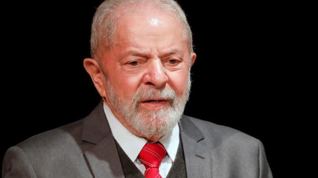 """Lula: """"o governo neste instante mais atrapalha do que ajuda"""""""