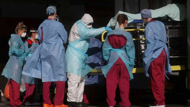 Espanha registra recorde diário com 950 mortos nas últimas 24 horas