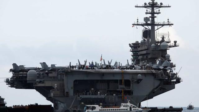 Coronavírus obriga a evacuação de porta-aviões americano no Pacífico