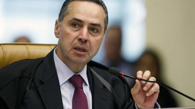 No TSE, Barroso fala em adiamento 'mínimo' das eleições