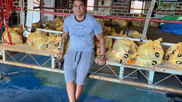 Popó distribui três toneladas de alimentos por 20 bairros de Salvador