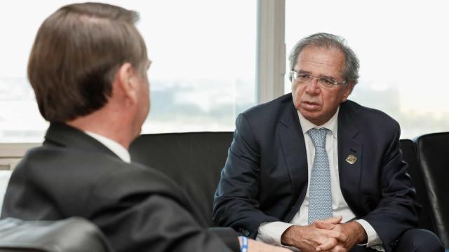 Bolsonaro é democrata, e democracia faz barulho, diz Guedes