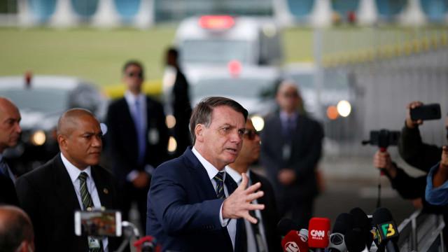 'Não sei, pô', diz Bolsonaro a apoiadores sobre cargos para o governo