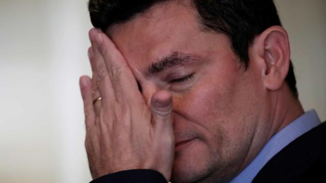 Moro diz à PF que Bolsonaro ameaçou demiti-lo em reunião