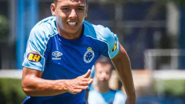 Atacante Vinícius Popó, do Cruzeiro, testa positivo para covid-19