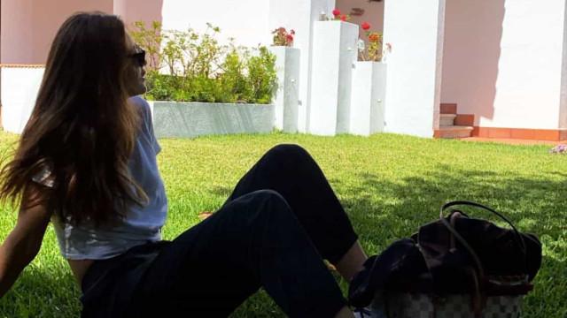 Pedro Scooby recebe namorada em Portugal e mostra nova casa