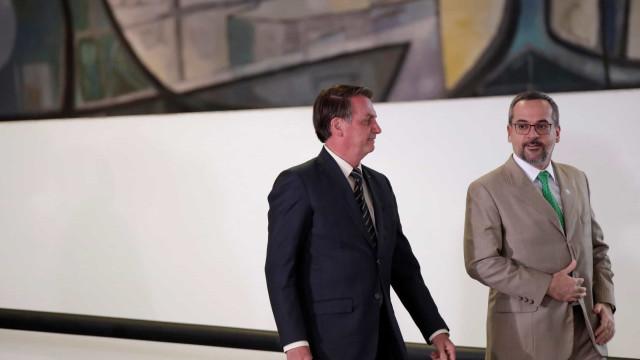Bolsonaro se reúne com Weintraub após STF cobrar ministro