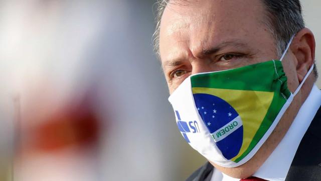 Bolsonaro diz que Pazzuello não permanecerá no cargo de ministro