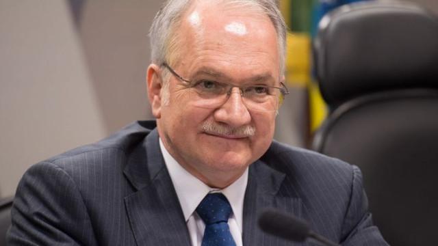 Fachin revoga decisão que autorizava PGR a acessar dados da Lava Jato