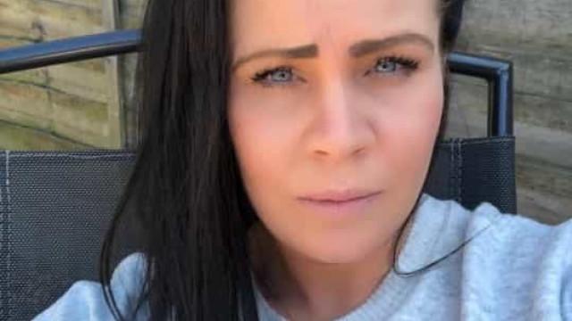 Mulher obcecada por limpezas morre após juntar produtos