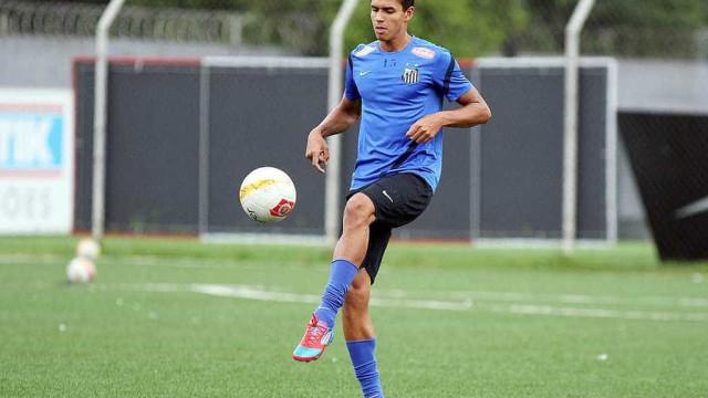 Lucas Veríssimo destaca semana de 'folga' antes do duelo com Flamengo