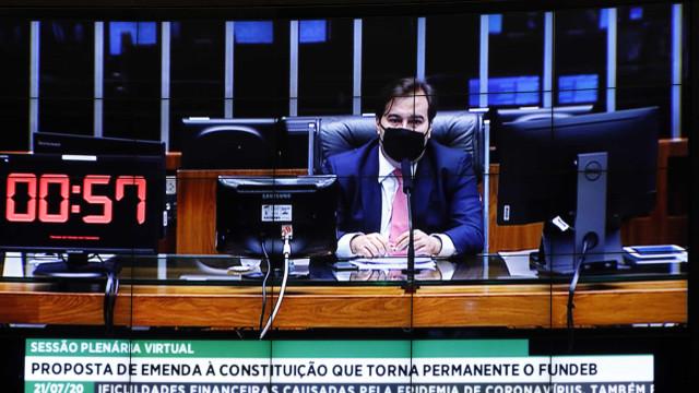 Câmara discute volta das comissões e partidos disputam 'mandato tampão'
