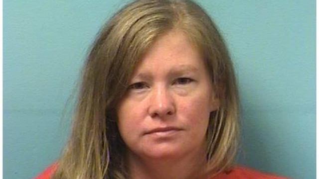 Mãe é acusada de matar filha ao desligar dispositivo de oxigênio