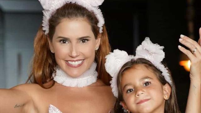 """Filha de Deborah Secco quebra o braço e atriz fica de """"coração partido"""""""