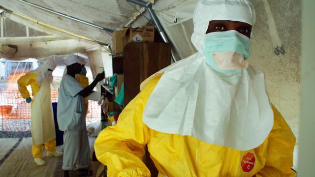 Mais cinco casos de Ebola confirmados na RD Congo e Guiné-Conacri