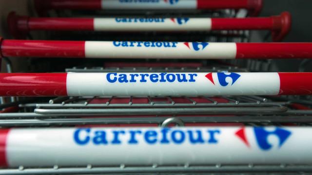 Ações do Carrefour caem mais de 5% após assassinato de homem negro