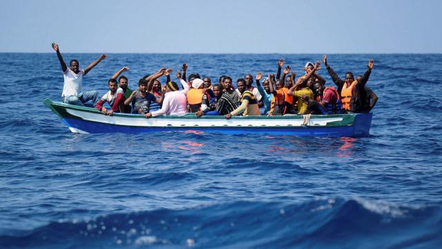 Em 16 dias, mais de 4 mil pessoas chegaram à Europa pelo mar