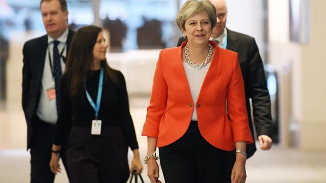 May acusa críticos do plano para Brexit de minarem interesse nacional