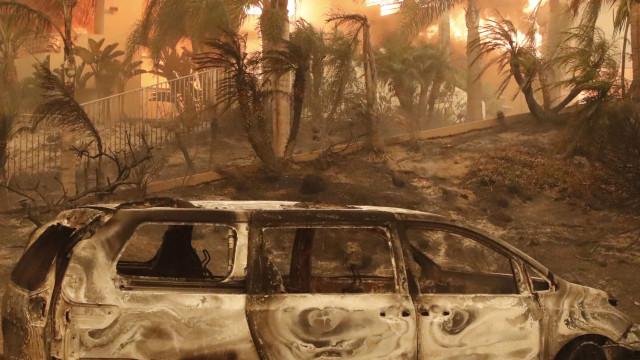 Sobe para nove número de mortos em incêndio na Califórnia