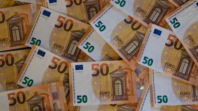 Contas externas do Brasil registam défice de 10,8 mil milhões