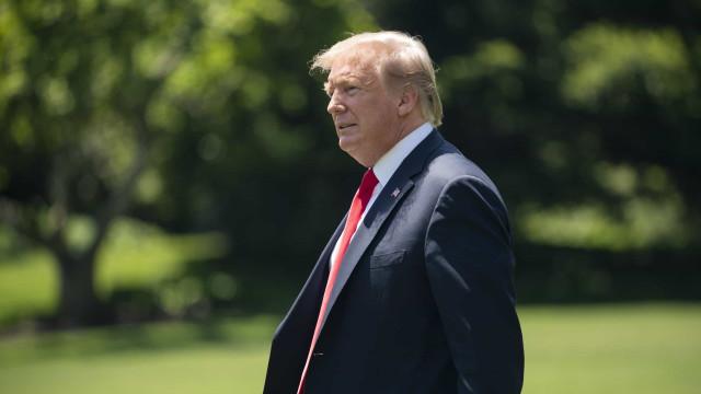 Trump reclama de bloqueio de fundos da construção do muro no México
