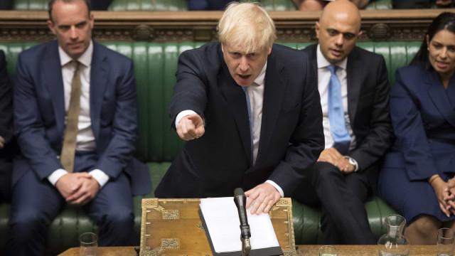Boris Johnson declara 'morto' acordo para o Brexit e quer um novo