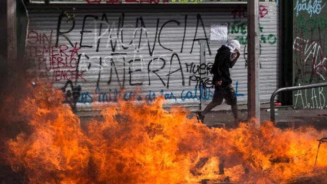 Número de mortos em protestos no Chile sobe para 18
