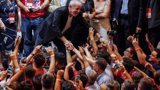 """Lula: Reeleição de políticos promove ideia de """"pequeno ditador"""""""