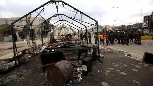 Três manifestantes mortos em confrontos com a polícia iraquiana