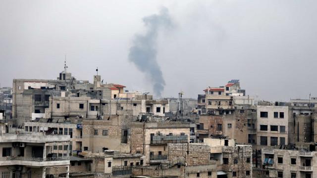 """ONU alerta para risco de """"banho de sangue"""" no noroeste da Síria"""