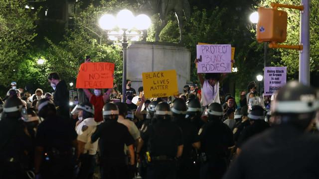 Pelo menos 345 detidos e 33 polícias feridos em protestos em NY