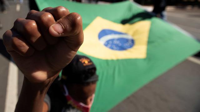 Uma pessoa assassinada a cada 10 minutos no Brasil, na maioria negros