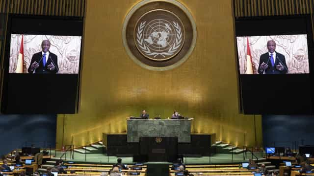 "Países africanos pedem ajuda contra ""apocalipse"" da pandemia"