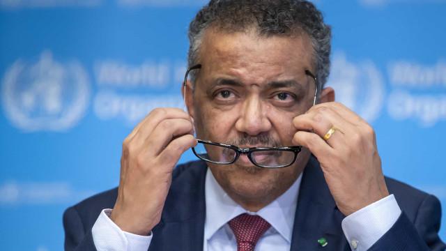 """OMS insiste que """"não devemos desistir"""" da luta contra a pandemia"""