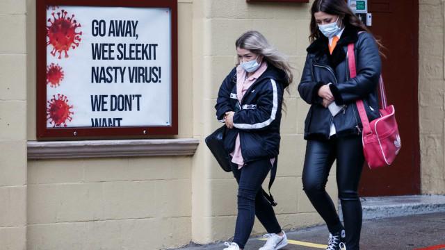 Covid-19: Reino Unido registra 498 mortes, menos 200 do que na véspera