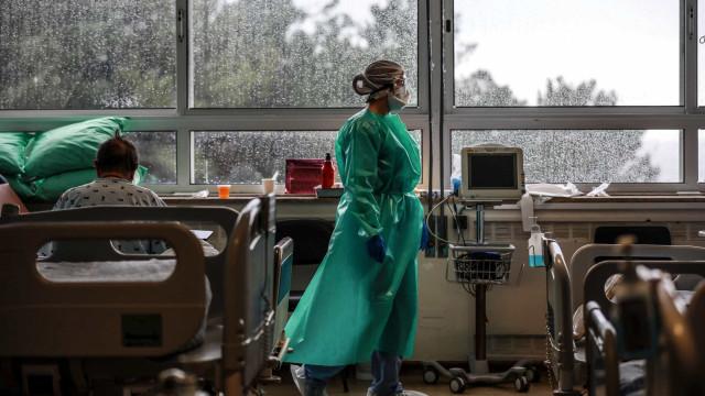 Mortes por covid-19 chegam a 217,6 mil no Brasil