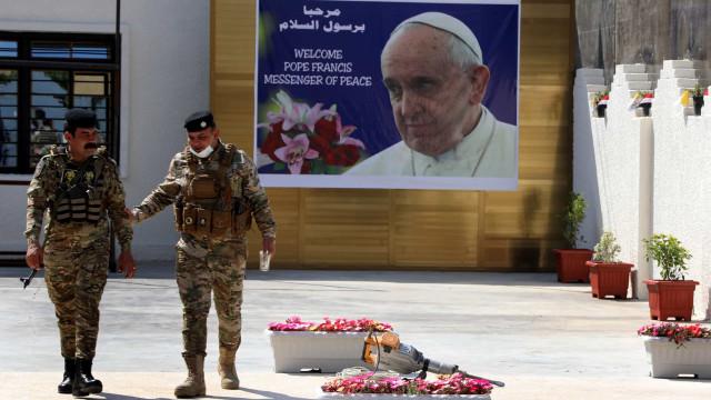 """Papa inicia hoje visita ao Iraque como """"peregrino da paz"""""""