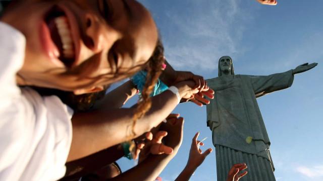 Confiança dos consumidores brasileiros aumentou em dezembro