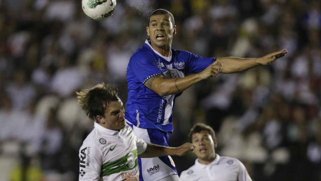 Nilton vê Cruzeiro 'tranquilo', mas quer vitória domingo