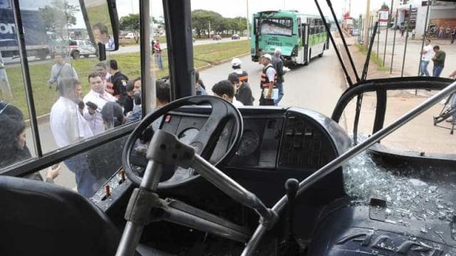 Dificuldade de ir para o trabalho após incêndio de ônibus