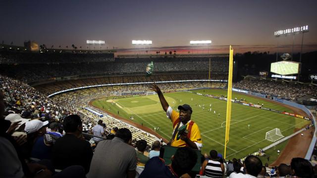 Saúde dá aval para CBF liberar volta do torcedor ao estádio