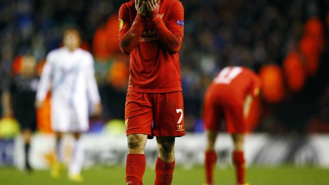 Liverpool vacila fora e estreia com derrota na Liga dos Campeões