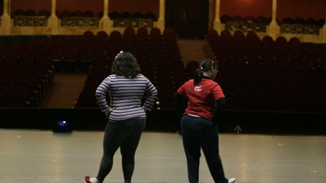 Jovens da Maré dizem que Teatro do Oprimido ajuda na reflexão