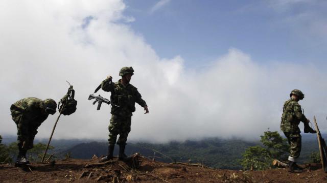Militar equatoriano morre na fronteira com a Colômbia