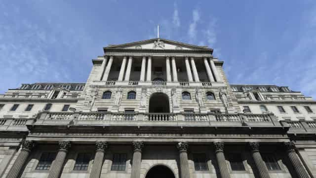 Bancos fecham nos dias 18 e 21