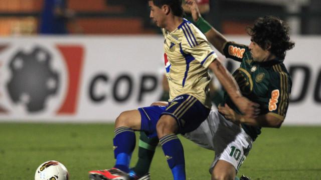 STJD confirma que vai investigar cartão dado a Valdivia