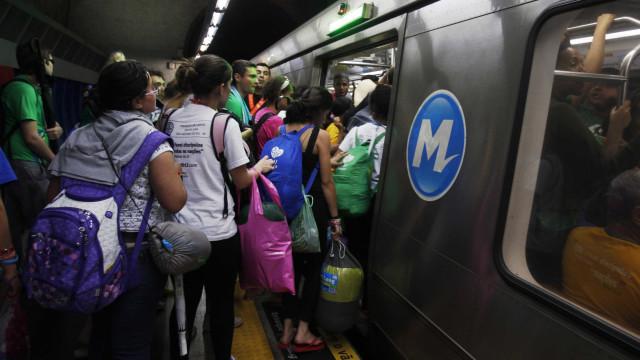 Linha 5-Lilás do Metrô de SP continua com problemas