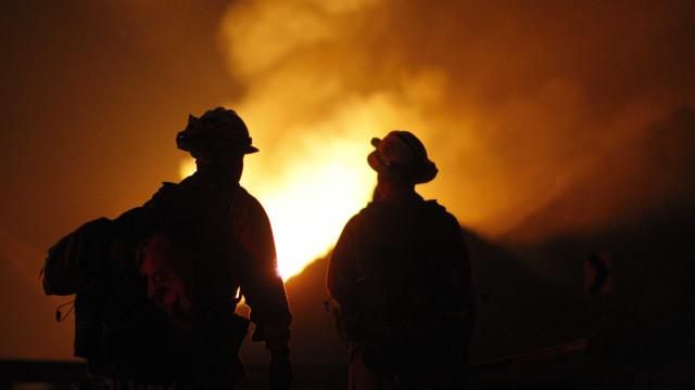 Incêndio atinge comunidade de Paraisópolis em SP