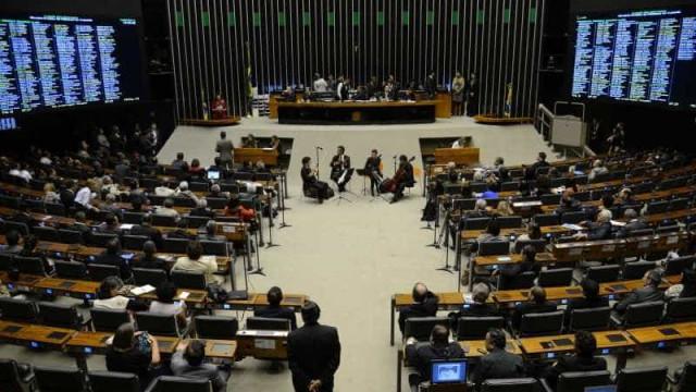 Câmara terá 198 deputados que tomam posse pela primeira vez