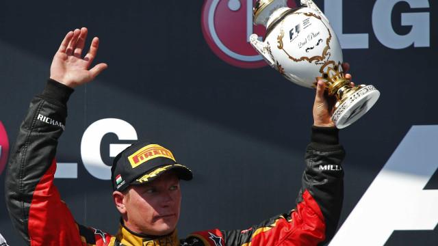 Aos 41 anos, Kimi Raikkonen, campeão de F-1 em 2007, anuncia a aposentadoria